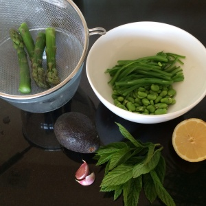 Green veg for quinoa salad