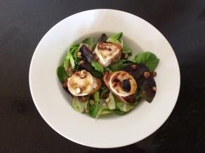 Honeyed goatscheese salad