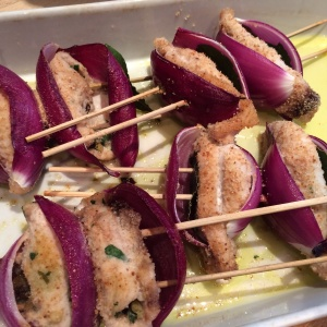 Swordfish rolls with currants and parsley