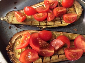 Baked aubergine with tomato
